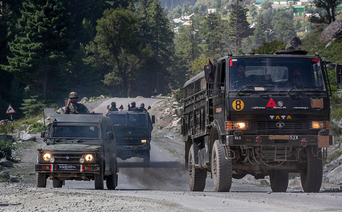 Индийские военныек северо-востоку от Сринагара, Кашмир