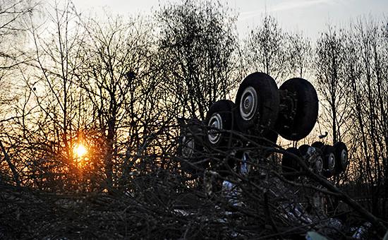 Обломки Ту-154,самолета президента Польши Леха Качиньского,потерпевшего крушение под Смоленском. Фото: 11 апреля 2010 года