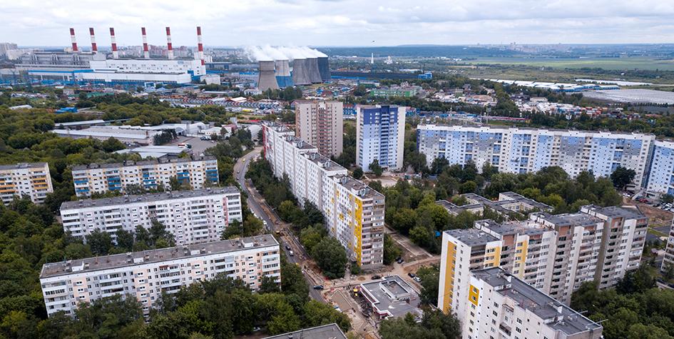 Вид на жилые дома в районе Капотня на юго-востоке столицы