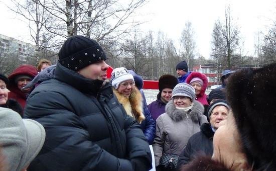 Встреча депутата ЗС СПб Евгения Марченко сосвоими избирателями