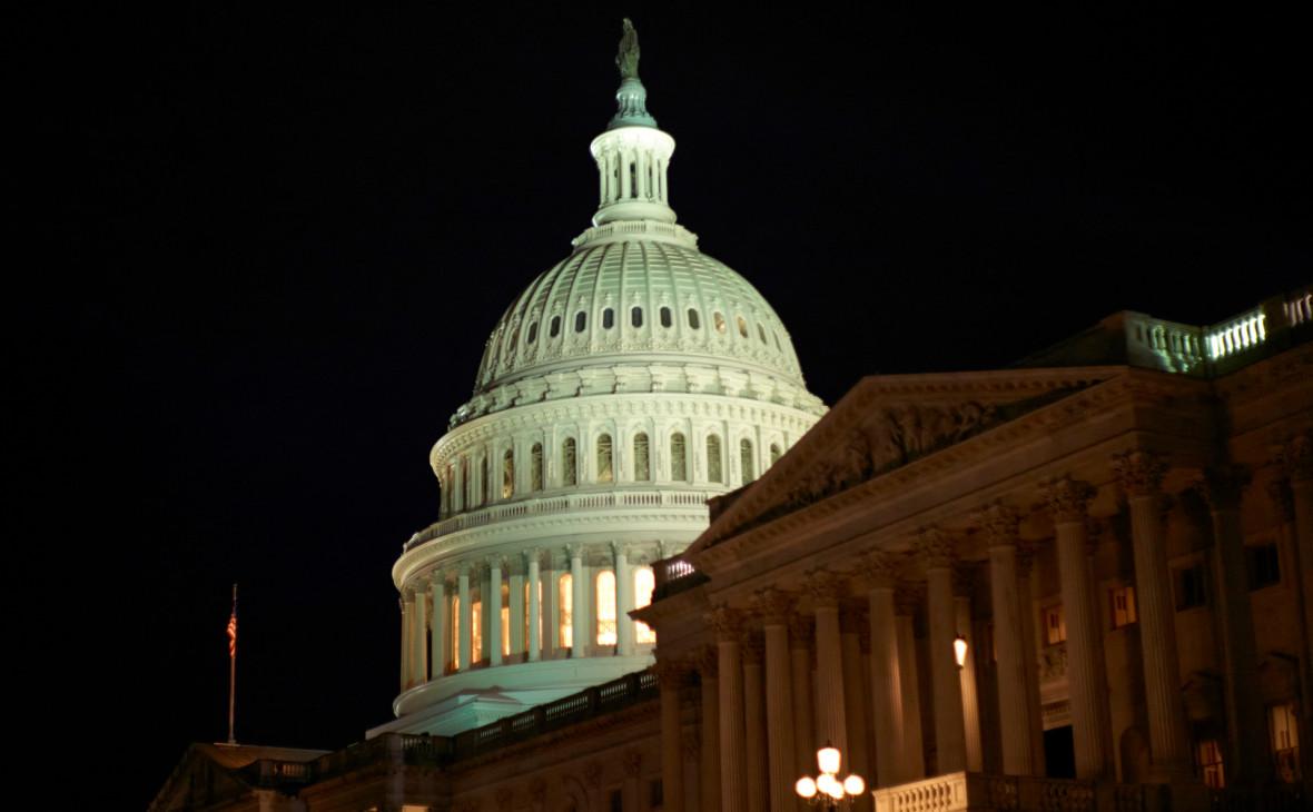 США на год продлили введенные из-за Украины и Крыма санкции против России