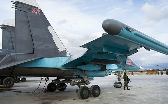 Российский истребитель наавиабазе Хмеймим вСирии