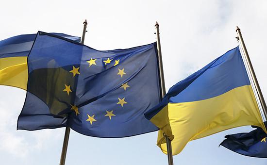 Флаги ЕС иУкраины