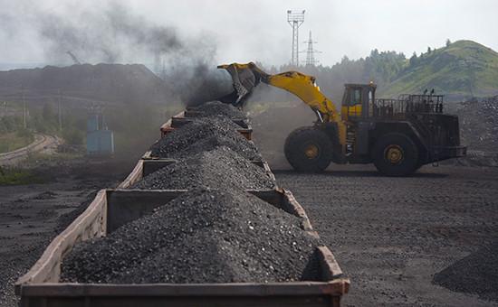 Погрузка угля. 2013 год