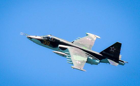 Штурмовик Су-25 вовремя учений Военно-воздушных сил России, 2014 год