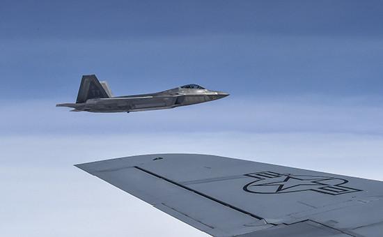 Американский истребительF-22 Raptor