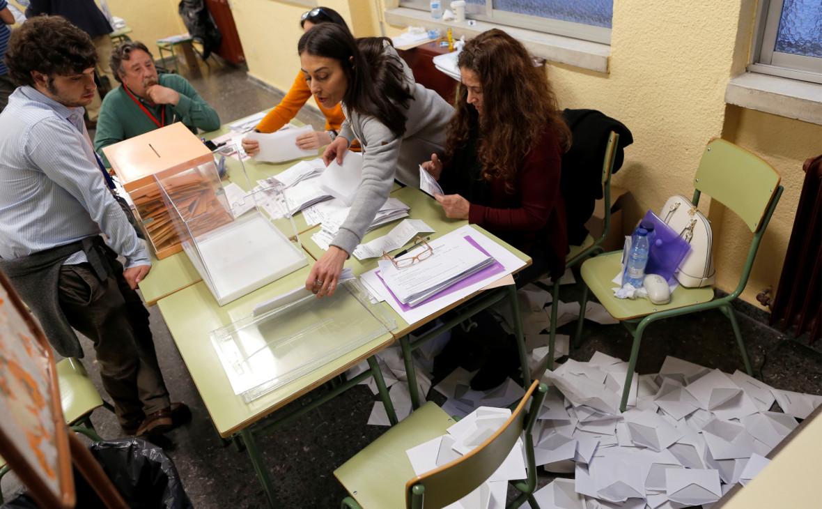 Социалисты стали лидерами на парламентских выборах в Испании