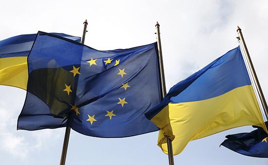 Флаги Украины иЕС