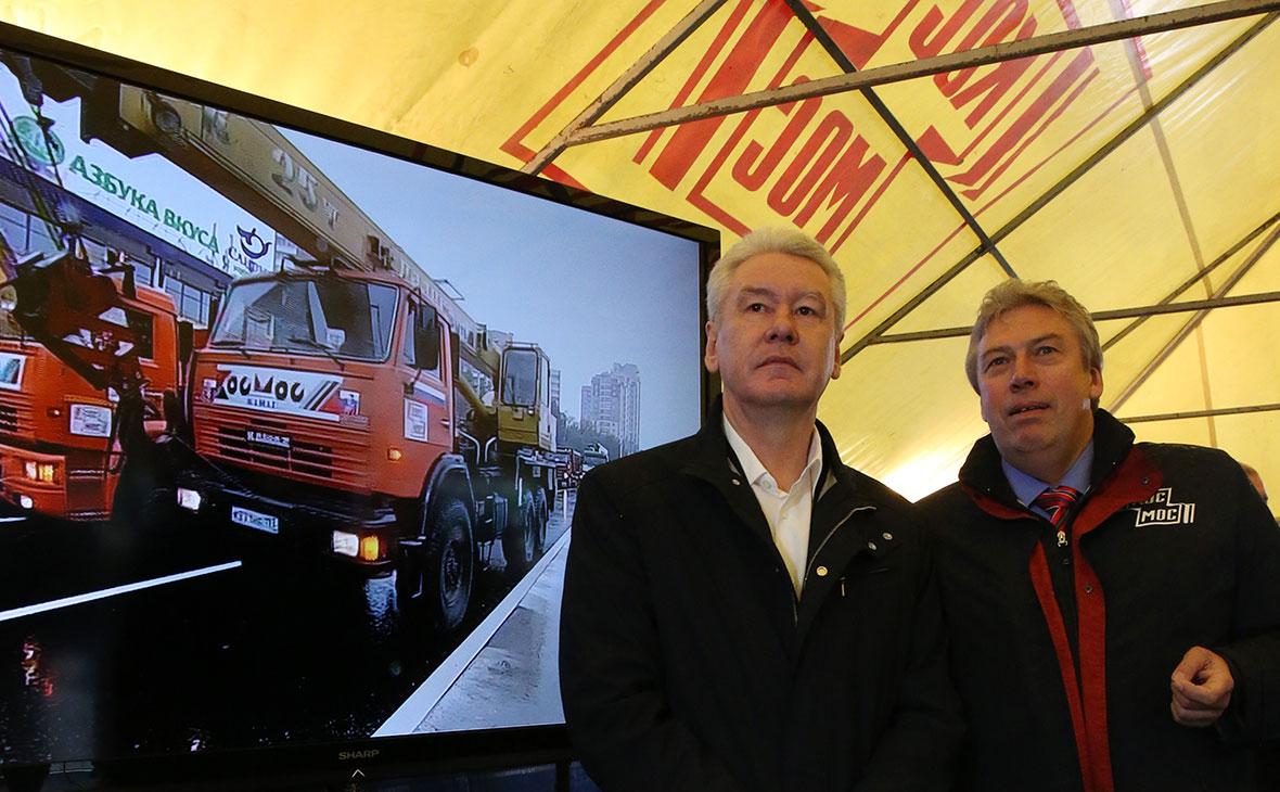 Сергей Собянин и президент НПО «Космос» Андрей Черняков (слева направо) во время запуска первой очереди Алабяно-Балтийского тоннеля