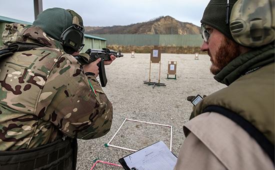 Занятиепо стрелковой подготовке на базе Международного центра Сил специального назначения в Гудермесе. 17 ноября 2016 года