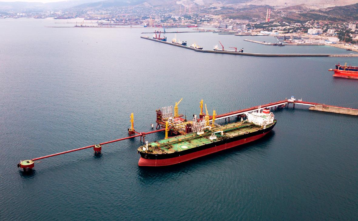 СМИ узнали о планах ограничить экспорт нефти российскими судами