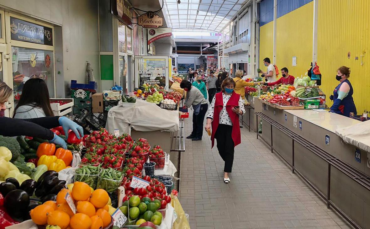 Соблюдение «масочного режима» на рынке в Симферополе
