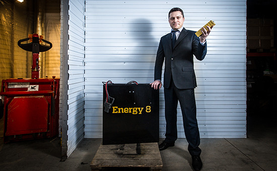 «Мы крутимся вокруг энергии, между нами восьмерка – символ бесконечности, поэтому у нашей компании такое название – Energy8, – вспоминает глава компании Евгений Титус, – Да и у первого нашего аккумулятора было 8 ячеек, поэтому точно решили, что 8 – это наше!»