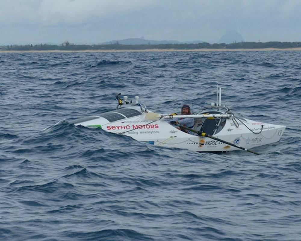 Фёдор Конюхов на весельной лодке тургояк