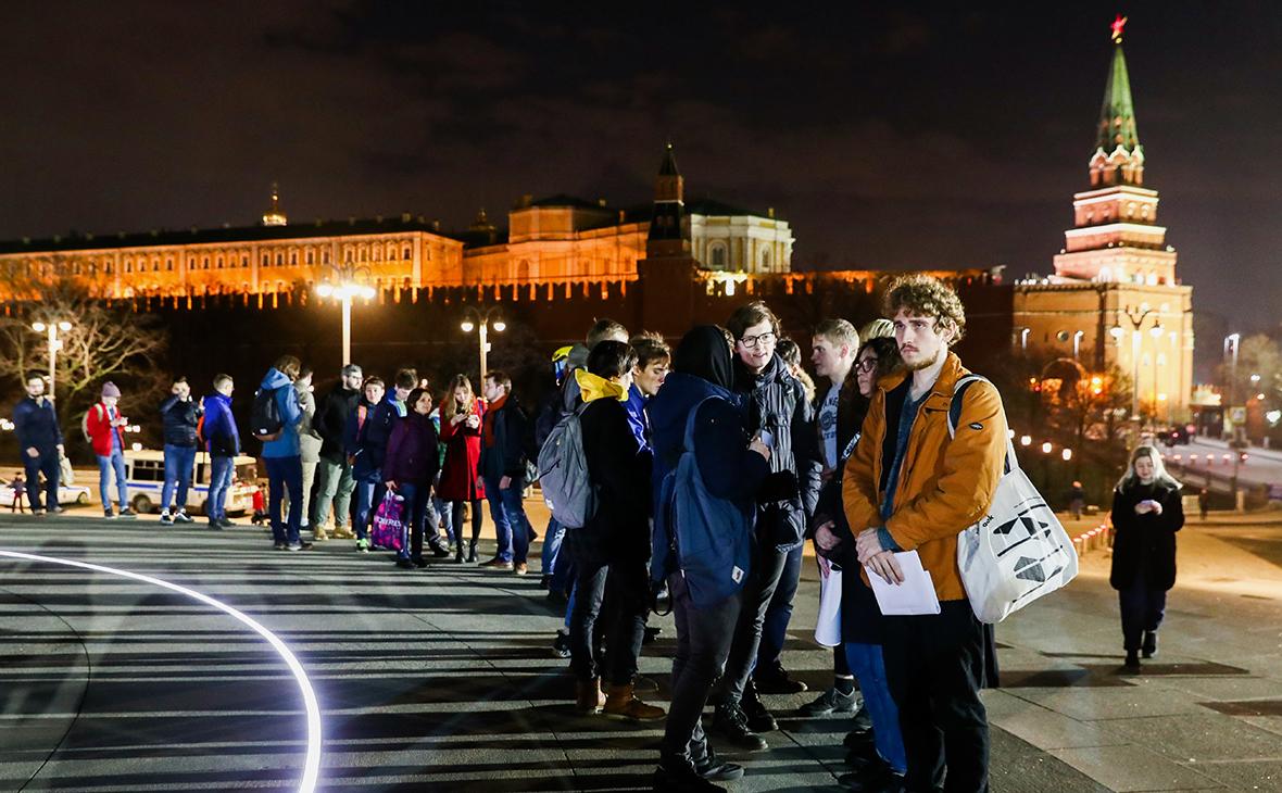 Очереди на одиночные пикеты предложили признать митингом