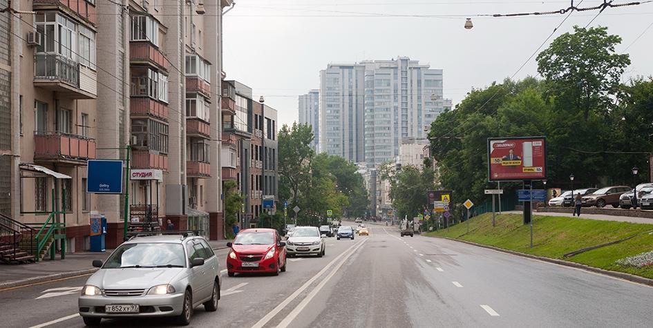 Вид на Шмитовский проезд