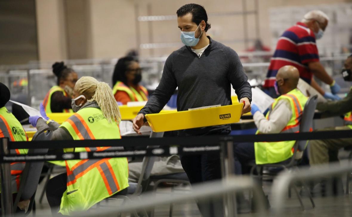 В Филадельфии приостановили подсчет голосов на выборах после решения суда