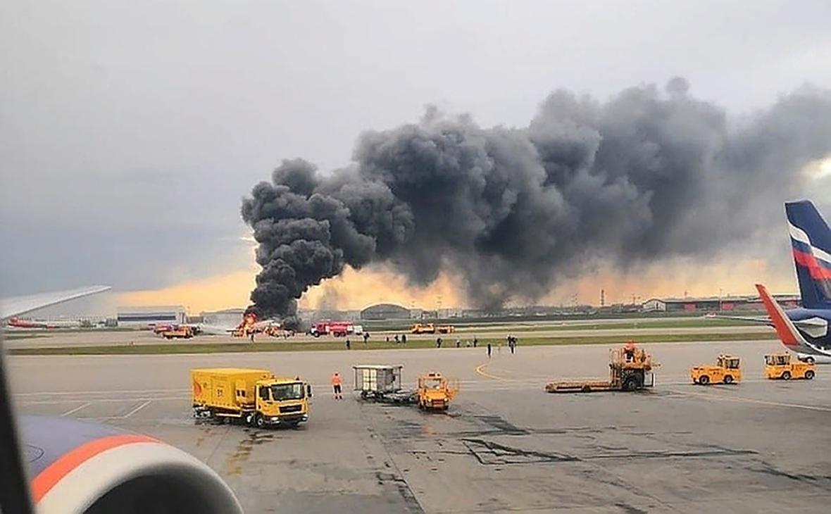 Дмитрий Анатольевич поручил создать госкомиссию по расследованию возгорания самолета