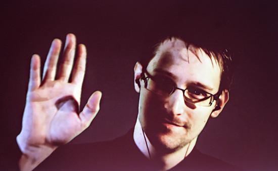 Экс-сотрудник АНБ СШАЭдвардСноуден. Снимок с экрана