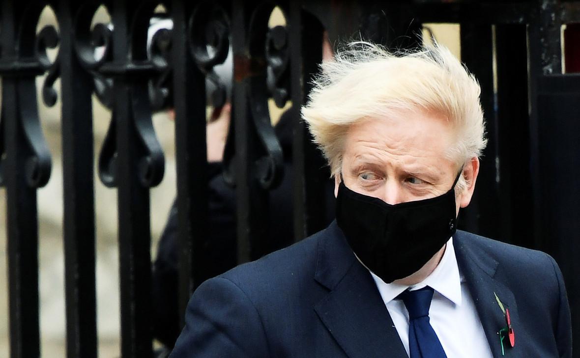 Борис Джонсон ушел на самоизоляцию после контакта с больным COVID