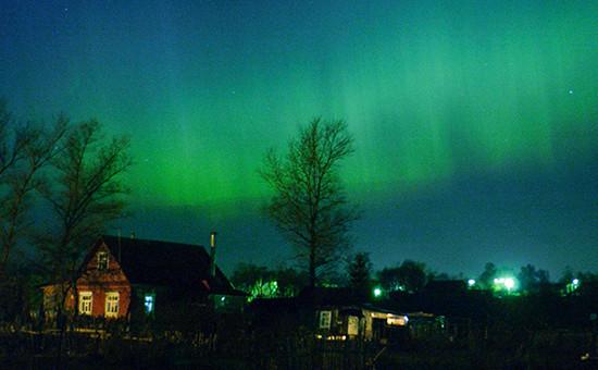 Северное сияние в небе Подмосковья (деревня Пирогово, расположенная в 10 км от Москвы). Архивное фото