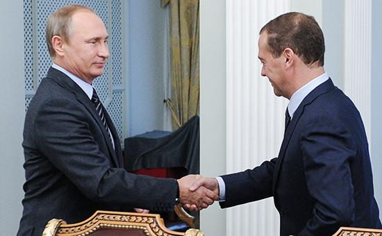Президент России Владимир Путин и премьер-министр России Дмитрий Медведев (слева направо). Архивное фото