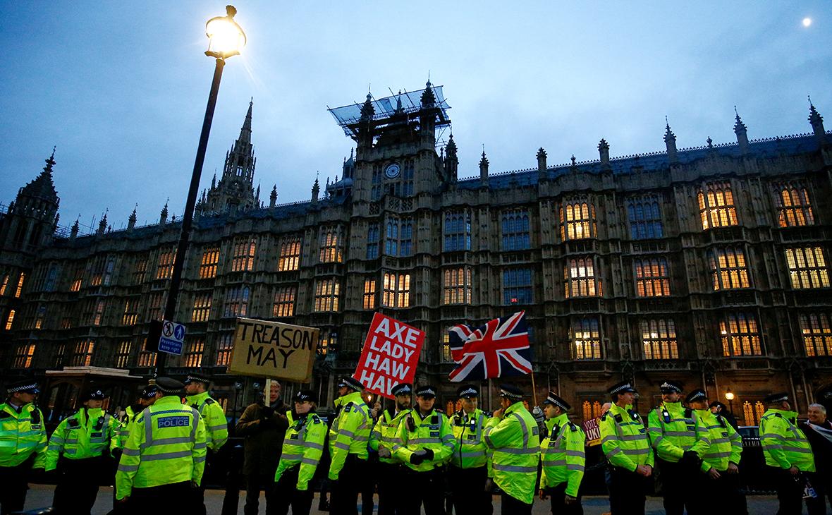 Парламент Великобритании отклонил план Мэй по выходу из Евросоюза