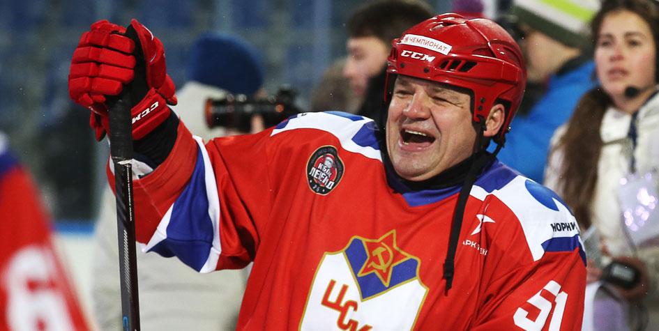 Арбитр получил сотрясение мозга после нападения главы профсоюза КХЛ