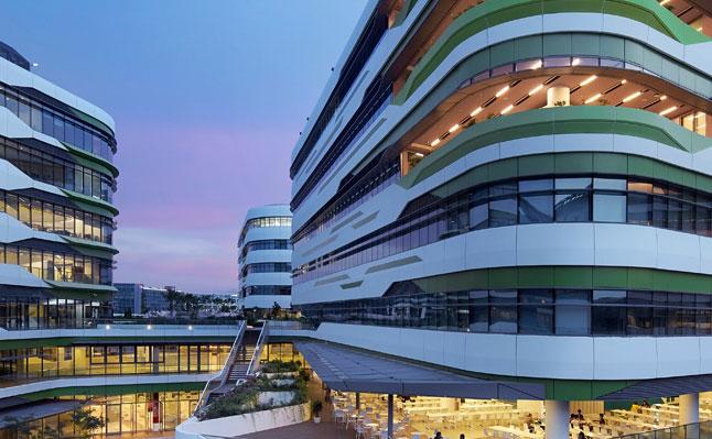 Здание Сингапурского университета технологии и дизайна.