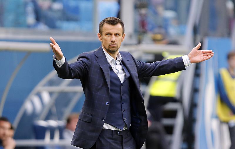 Главный тренер команды «Зенит» Сергей Семак