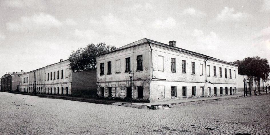 Архивное фото ночлежного дома