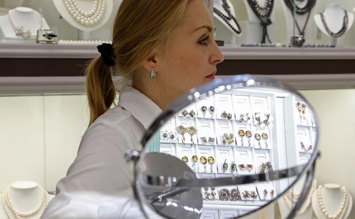 Армения стала крупнейшим экспортером драгоценных металлов и камней в Россию