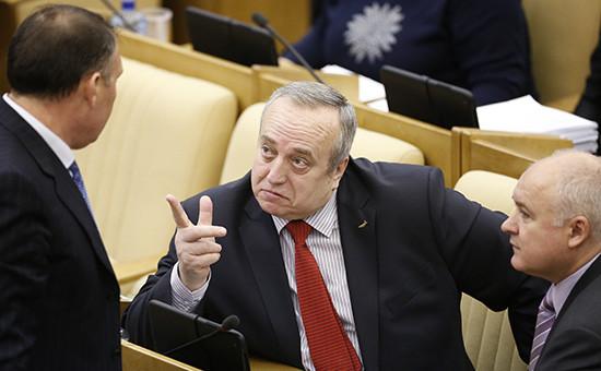 Депутат Госдумы РФ Франц Клинцевич (в центре)