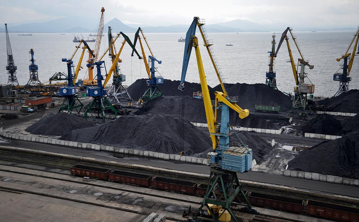 Находкинский морской торговый порт