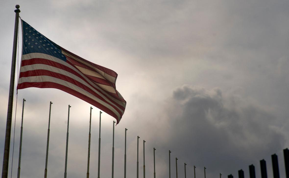 СМИ сообщили о запрете выдачи виз для приезжающих в США рожать
