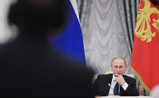 Президент России Владимир Путин назаседании Совета припрезиденте России понауке иобразованию вЕкатерининском зале Кремля
