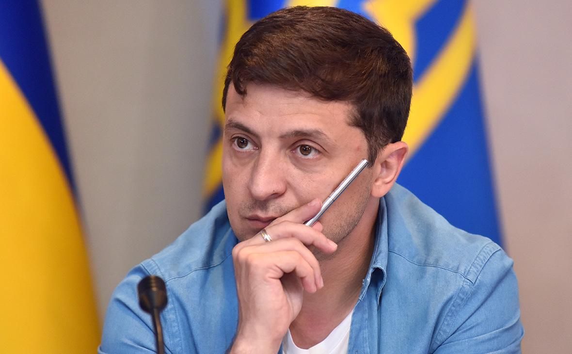 Зеленский сменил назначенного три месяца назад командующего в Донбассе