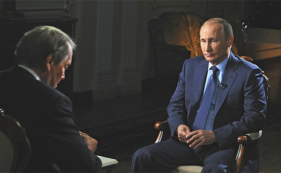 Президент России Владимир Путин даетинтервью американскому журналисту Чарли Роузу