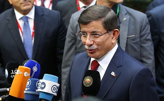 Премьер-министр Турции Ахмет Давутоглу насаммите ЕС—Турция вБрюсселе