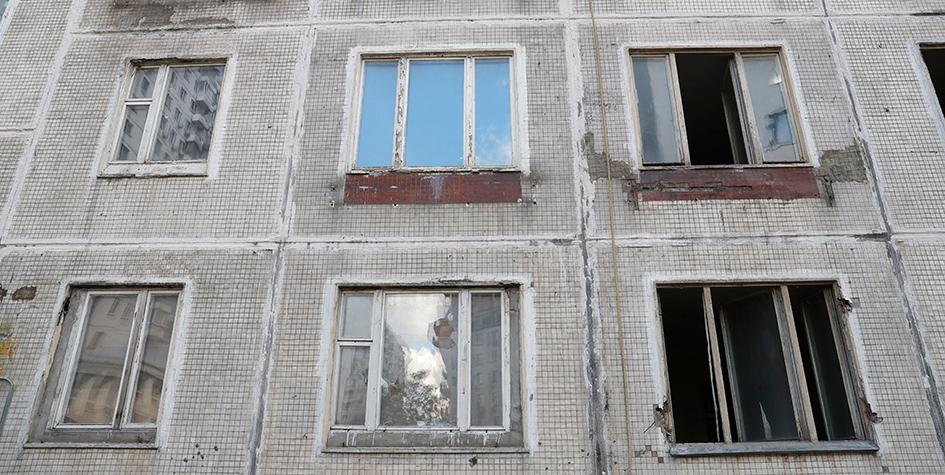 Расселенная пятиэтажка серии К-7 перед сносом в Москве
