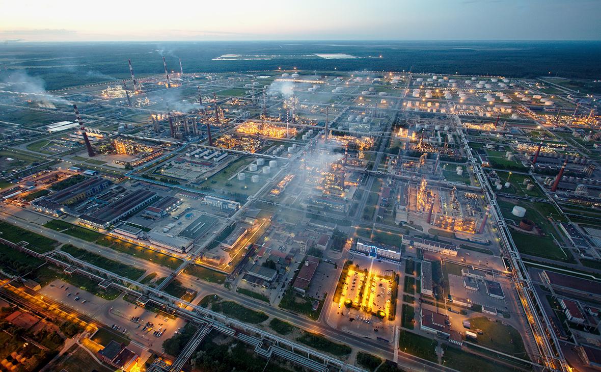 Акции «Сургутнефтегаза» обновили максимум за 13 лет