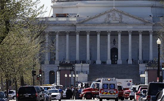 Экстренные службы у здания конгресса США в Вашингтоне