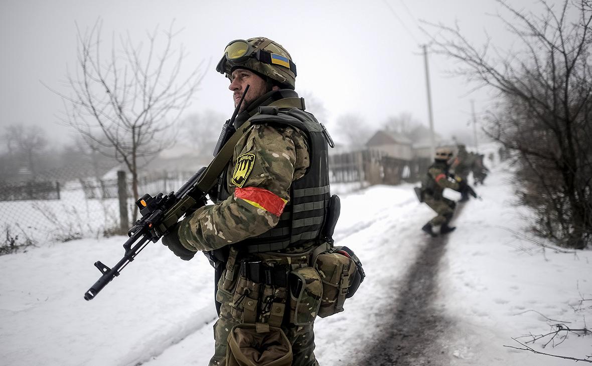 Украинские военные в селе Орехово Луганской области. 28 января 2015 года