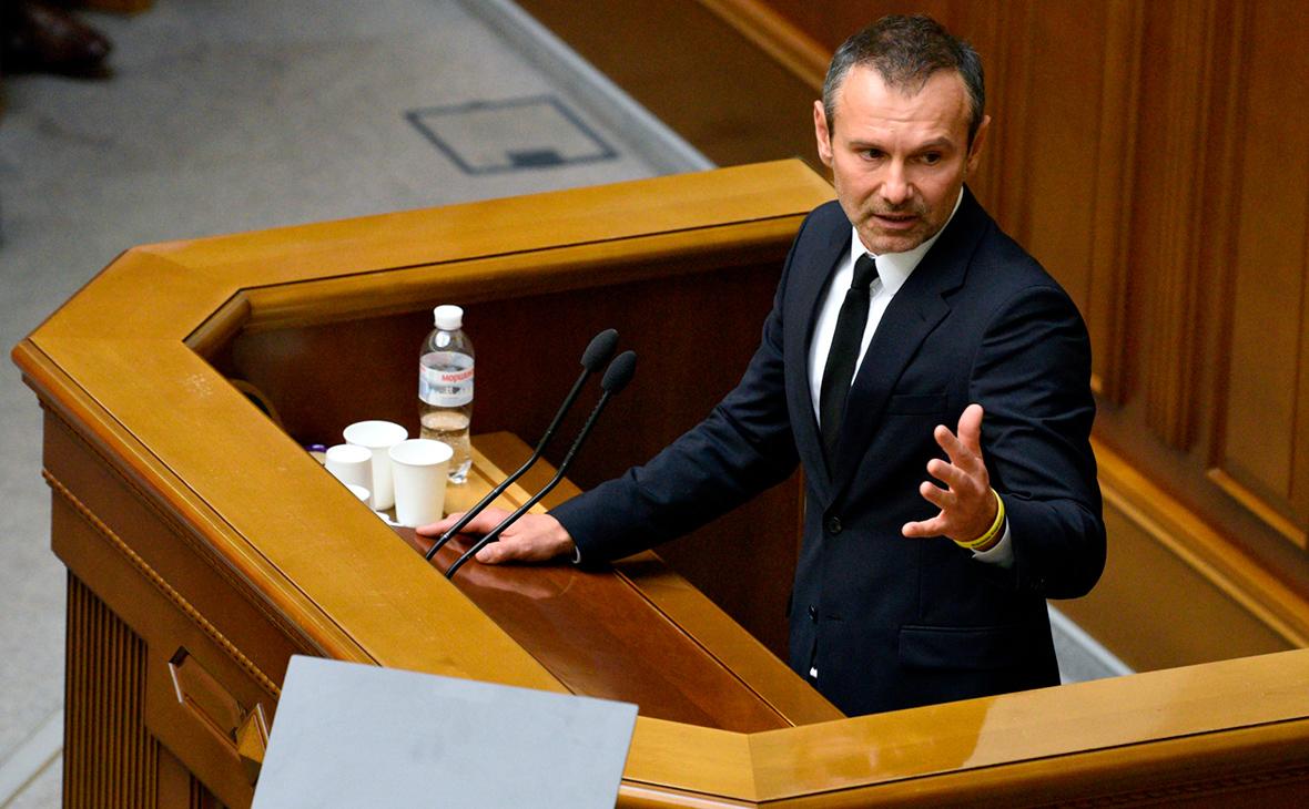 Вакарчук написал заявление об уходе из Верховной рады