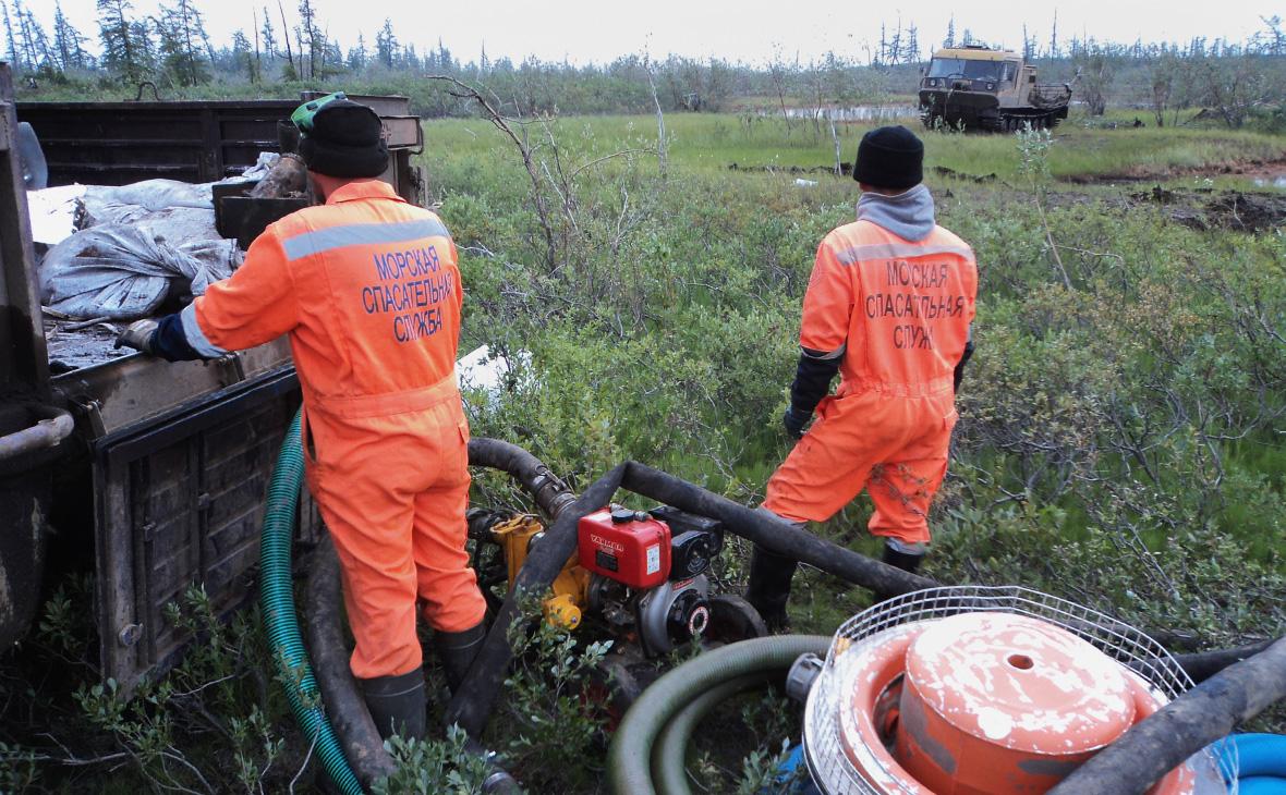 Ликвидация последствий разлива топлива на ТЭЦ-3 в Норильске