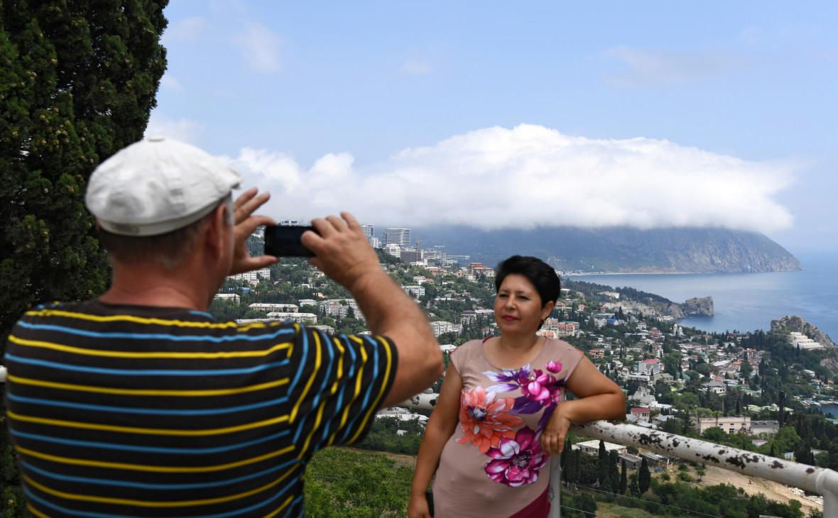 Туристы забронировали около 70% мини-отелей и пансионатов Крыма на лето