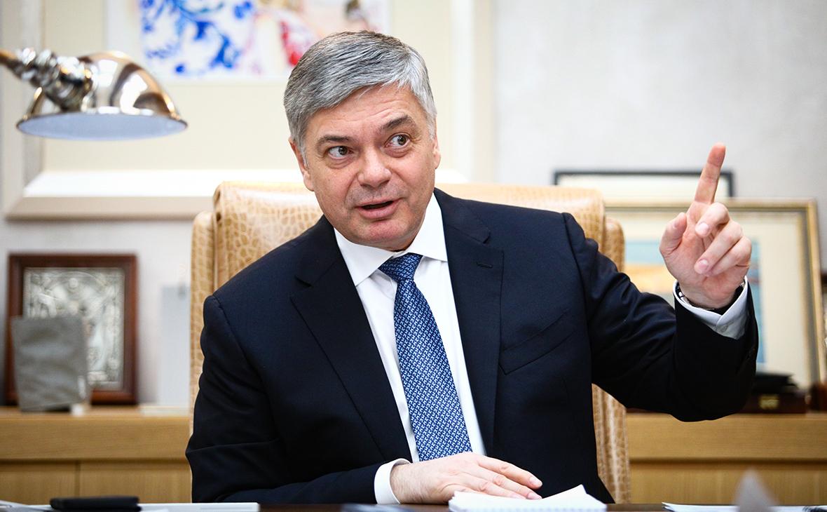 Сбербанк дал группе «Дело» 80 млрд руб. на покупку «Трансконтейнера»