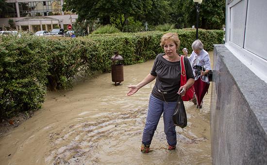 Последствия наводнения наодной изулиц города Сочи