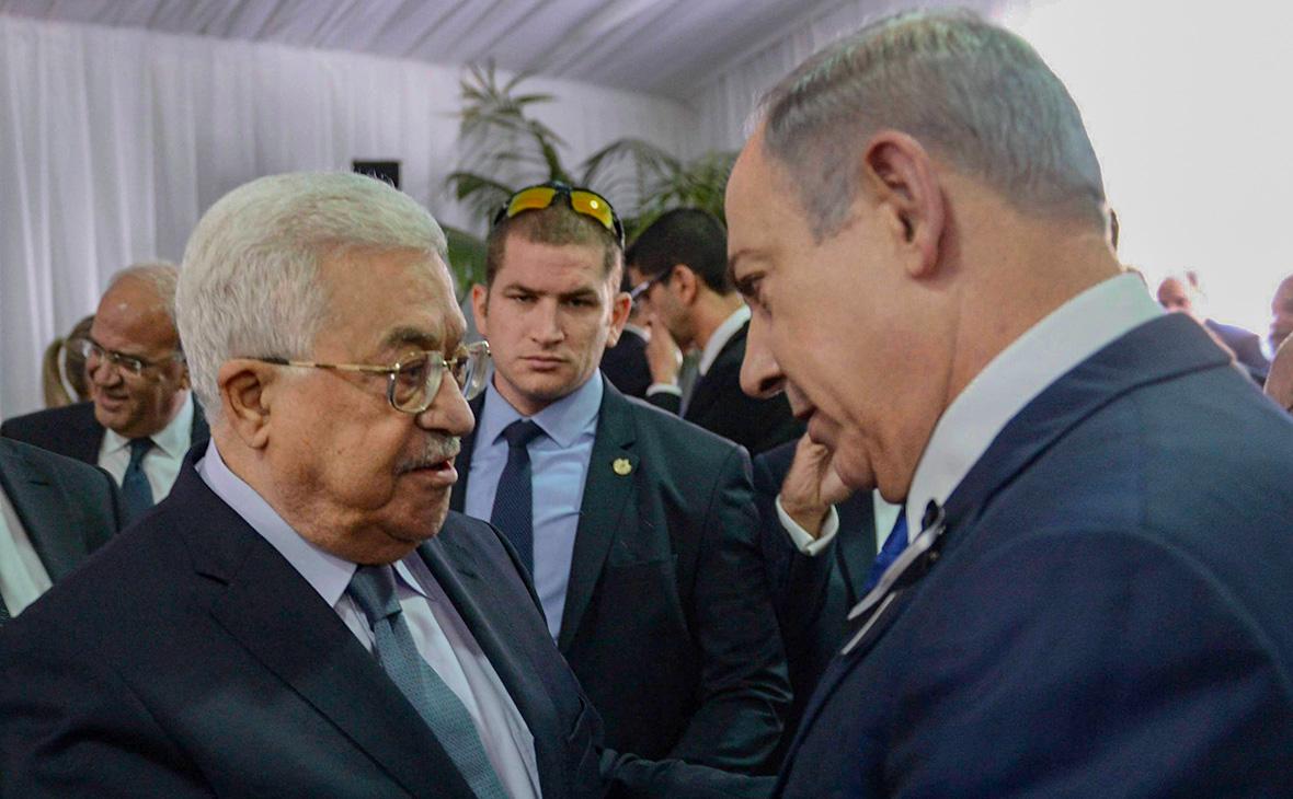 Махмуд Аббас (слева)иБиньямин Нетаньяху. 2016 год
