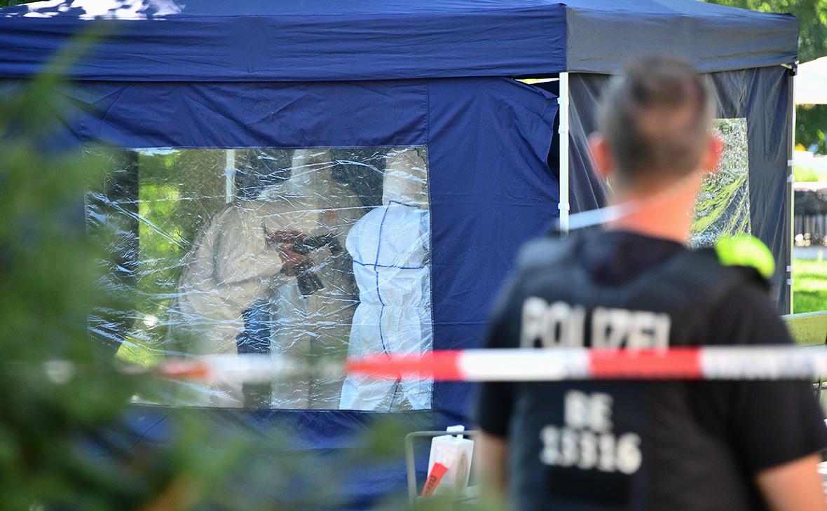 Полицейские на месте убийстваЗелимхана Хангошвили